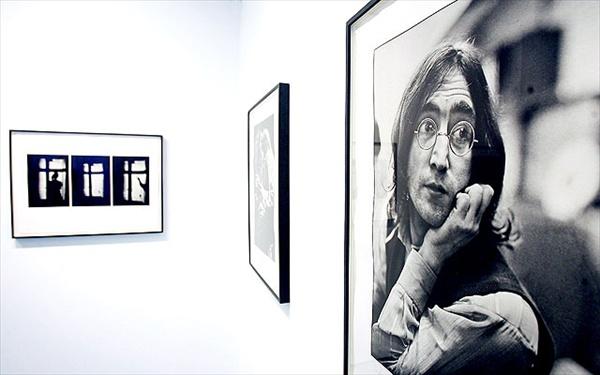 Портрет Джона Леннона 1968 года, показанный на выставке фотографий Линды Маккартни